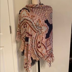 Light weight embroidered scarf o/s